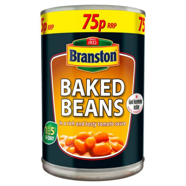 baked beans in a rich and tasty tomato sauce